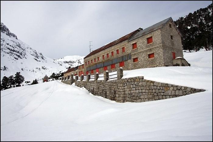 Refuge du Marcadau en hiver