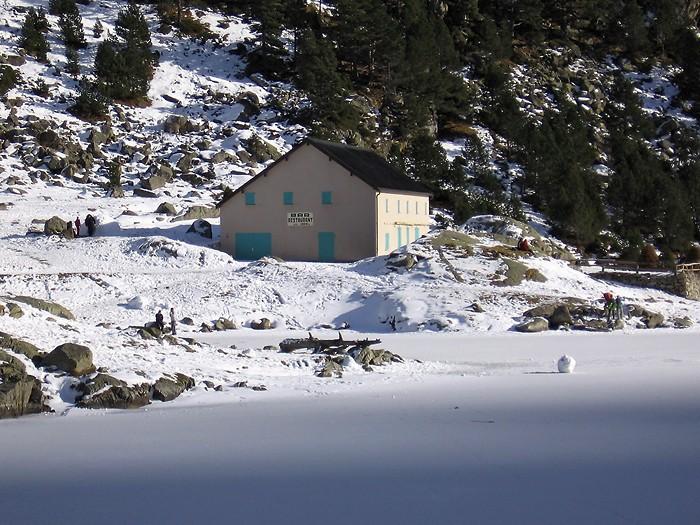 Lac de Gaube en hiver @ Argeles