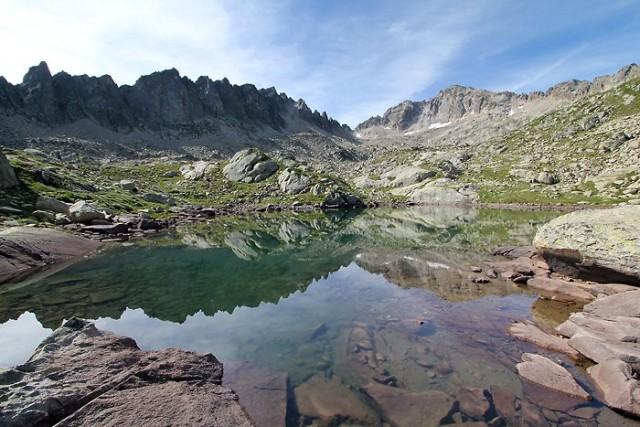 Lac de Cantet dans les Hautes-Pyrénées
